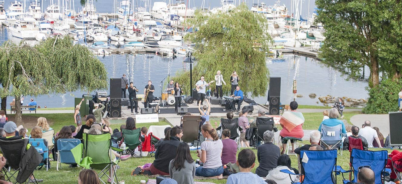 Live and local concert in Panorama Park Deep Cove